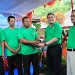 Rehabilitasi Lahan Kritis Mandiri Serahkan Pohon Jabon