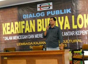 Ketua Panitia Diskusi, Sofyan Faisal Sifyan, dalam diskusi Kearifan Budaya Lokal, Jumat (25/1)