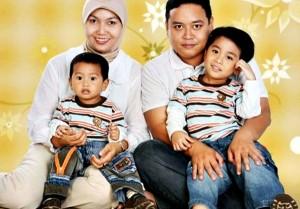 Zakky Riyan Isnaini bersama keluarga