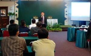 Traning karyawan KSPH oleh Purwanto Yudhonegoro, General Manager