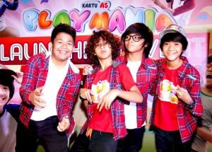 Ambassador Kartu As Playmania, boyband  Coboy Junior pada saat acara peluncuran Kartu As Playmania di Jakarta, Jum'at (17/5). Kartu As PlayMania adalah program khusus Kartu As yang menyasar ke segmen early teens, dari SD sampai SMP untuk menunjang kebutuhan pelanggan muda Telkomsel.