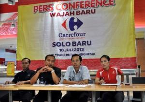 Manajemen saat press conference