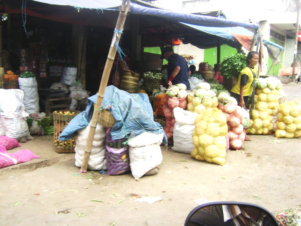 Sejumlah Komoditas di Pasar Tradisional Turun
