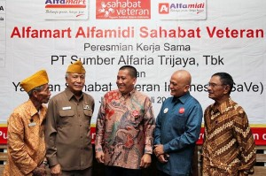 Launching Kerja sama Alfamart Alfamidi dan Sahabat Veteran