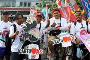 ebanyak 18.000 peserta mengikuti acara Gowes As'ik di Yogyakarta (17/11). Pada acara ini Kartu As Telkomsel meraih penghargaan MURI sebagai pemrakarsa dan penyelenggara aktivasi paket Internet serentak dengan peserta terbanyak mencapai 105.165 di 20 kota se-Indonesia.