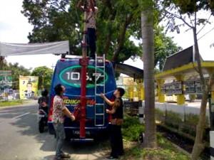 Mobil Van Andika FM prepare