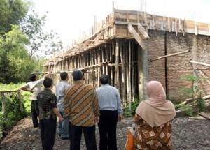 Dewan Kota Solo saat sidak pembangunan GLH