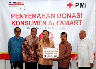 Alfamart Serahkan Bantuan Ke PMI