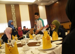 Agus Purnomo Conduct Table Manner