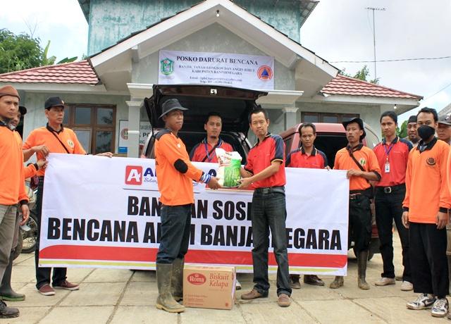 Alfamart Bantu Korban Musibah Longsor di Banjarnegara