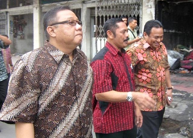 Dua Menteri 'Blusukan' Klewer Kobong