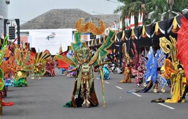 Solo Batik Carnival Dukung SGS 2015