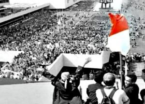 Gerakan mahasiswa dan Rakyat menguasai gedung DPR/MPR tahun 1998