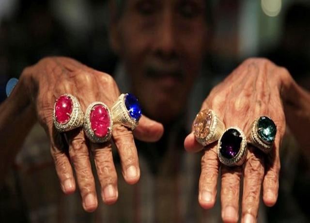 Culture Shock Of Gemstone Exihibition