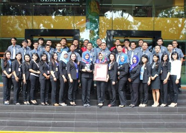 "Solo Grand Mall Raih Penghargaan ""Best Brand Category 2015"""