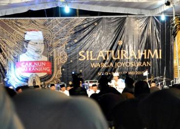 Cak Nun: Ada Yang Ingin Islam-Indonesia Berbenturan