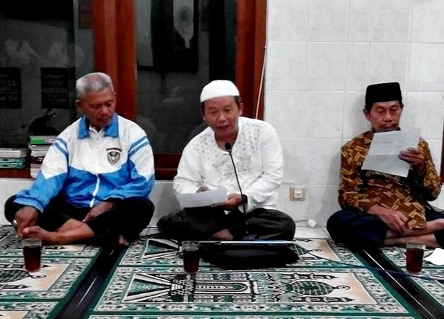 Unisri – LP2A Kadipiro: Sholat Idul Fitri Jumat 17/7/2015