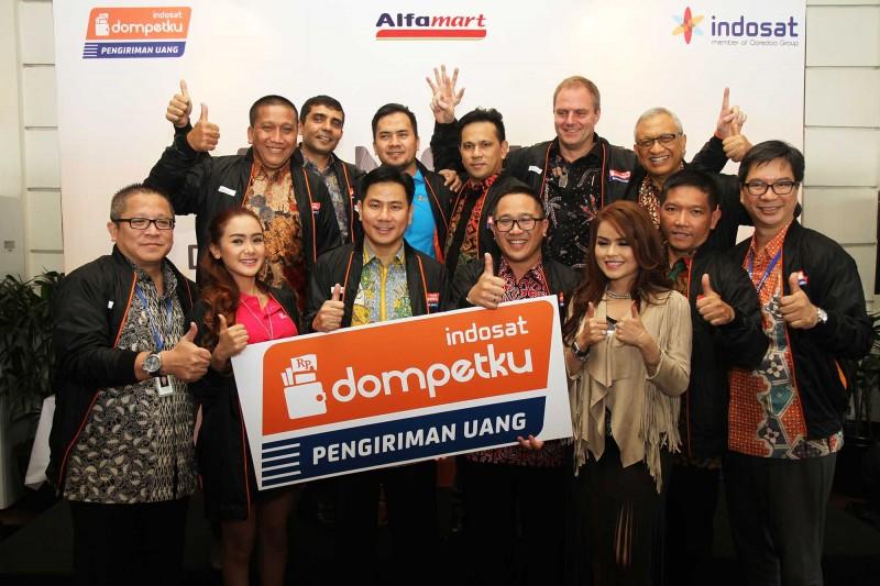 Alfamart dan Indosat Luncurkan Dompetku Pengiriman Uang