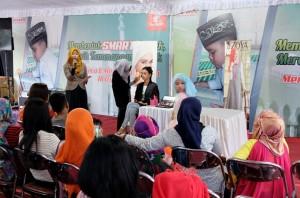 Peserta Tutorial Make up Hijab di lokasi Safari Ramadan Honda Beteng Vastenberg Solo, Sabtu (11/7/2015)