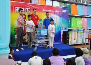 Anak Yatim dan Dhuafa siap berbelanja di Carrefour Solo Paragon Mal