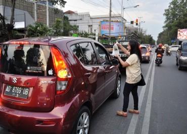 Solo Batik Carnival Berbagi