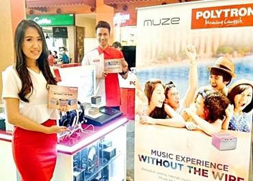 Atlet PBSI Memboyong Mobile Phone Polytron