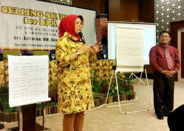 Bank Daerah Karanganyar Workshop Selling Skills For BPR