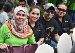 General Manager Aziza Hotel Solo, Anik bersama peserta Fun City Rally