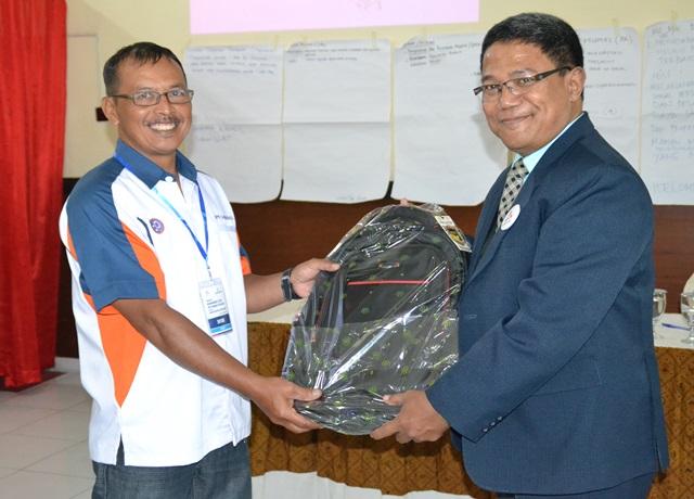 Direktur BPR Danamas Pratama, Anas Rusidanto  dan Direktur Amalia Consulting, Drs. Suharno, MM, Akuntan,