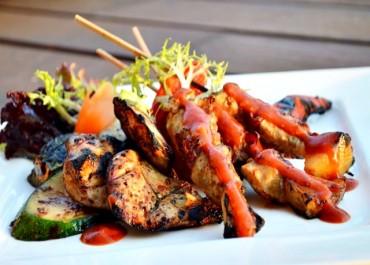 Nikmati 'Sizzling Satay' & Spesial 'Smokey BBQ' HARRIS Hotel Seminyak