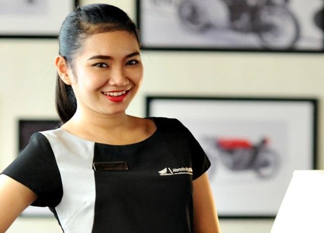 Big-Bike-Asssistant-Astra-Motor-Center-Semarang-siap-membantu-konsumen-mulai-dari-penjualan-hingga-purna-jual