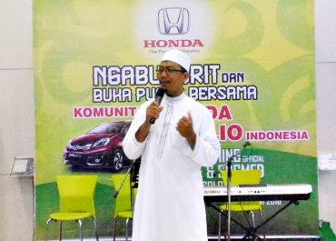 Honda Solo Baru Ngabuburit Bareng Komunitas Mobil