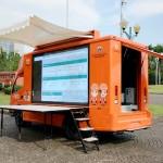 HUT Jakarta Hino Berikan Mobil Khusus LED 3 Meter