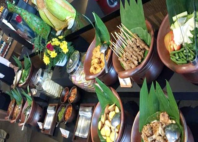 narendra-restaurant-the-sunan-hotel-solo