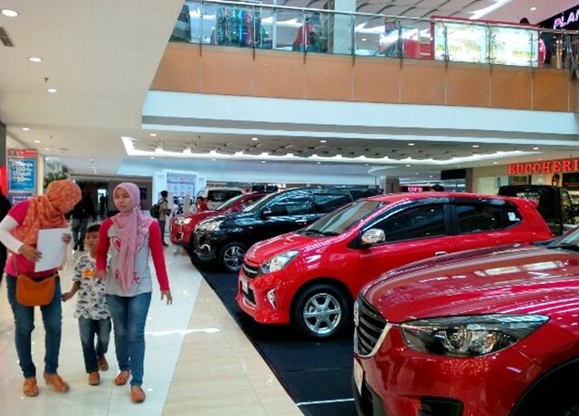 pameran mobil di harmal