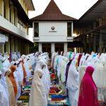 21 Masjid Bergabung Melaksanakan Sholat Idul Fitri di Kampus Unisri