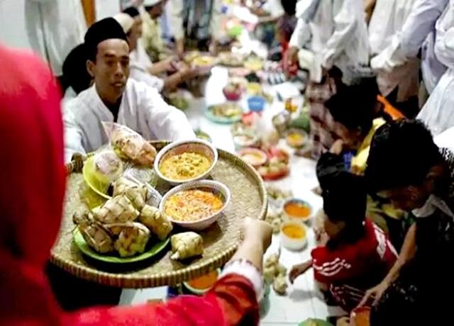 Makan bersama saat Lebaran harus tetap sehat