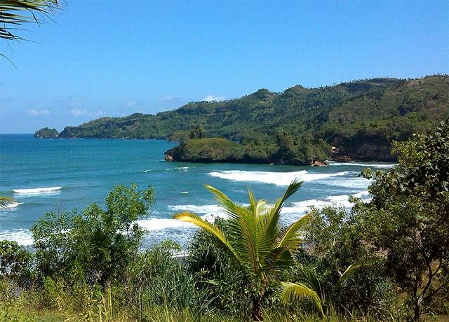 Panorama-Pantai-Pelang-Trenggalek