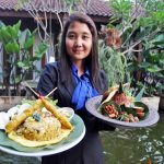 Nasi Merah Putih,Bahari dan Burger Jowo AlaLorin Solo Hotel