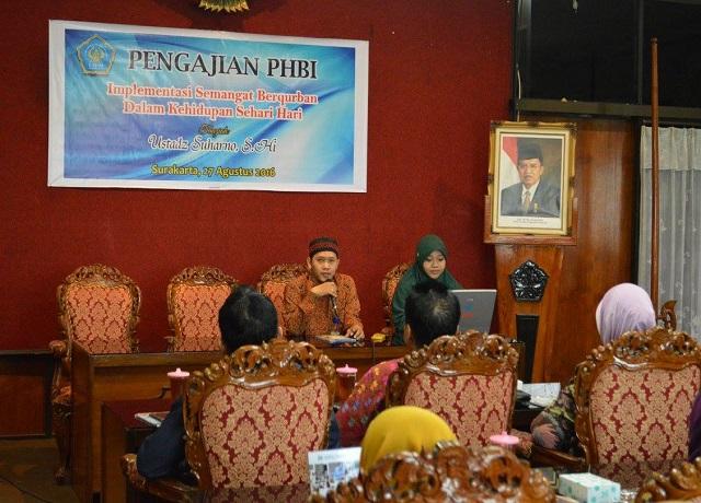Direktur Nurul Hayat Solo menyampaikan company profile dan program