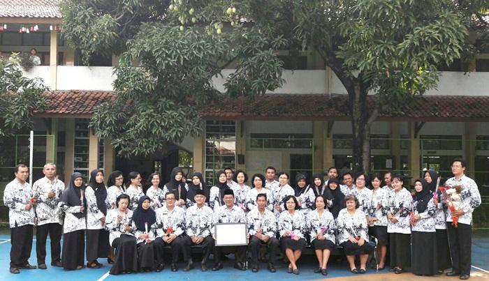 SMPN 8 Solo Peringati Hari Guru Nasional