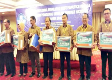 Kepala SMPN 8 Solo Juara I Best  Practice Tingkat Nasional