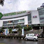 Tahun Baru Turun Salju di Hartono Mall