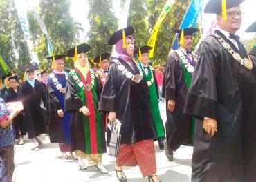 Univet Bantara Sukoharjo Wisuda 402 Mahasiswa