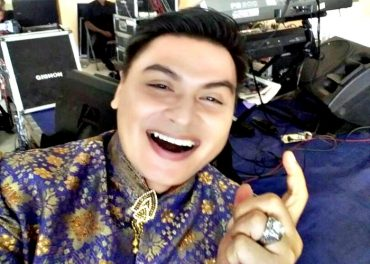 Menyanyi Bagi Johny Armando Hobby Sekaligus Pekerjaan