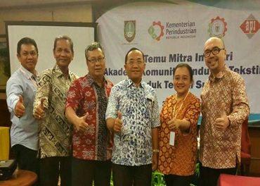 Temu Mitra Industri Akademi Komunitas Tekstil dan Produk Tekstil Surakarta