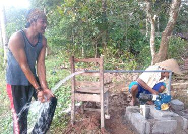 Nurul Hayat Solo Bantu Pembuatan Sumur & Pemasangan Listrik Bagi Mbah Tajem