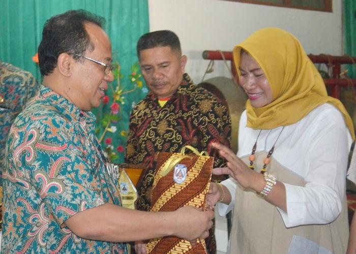 Kunjungan Delegasi LKS SMK Propinsi Sulawes ke SMPN 8 Solo