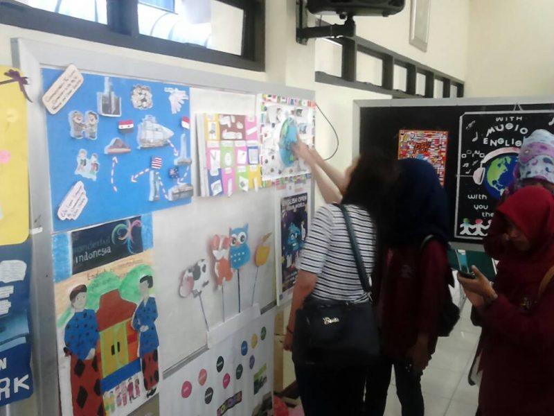 PBI Unisri Gelar English Students' Creativity (ESC 2017)