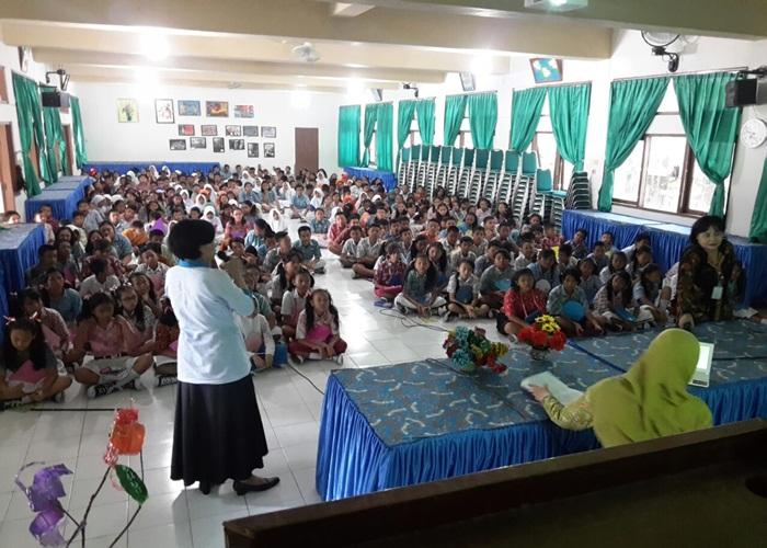 Tabuh Genderang Berkompetisi SMPN 8 Solo Gelar PLS